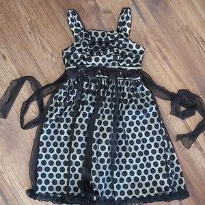 EUC Stunning Dress Size Girls 8